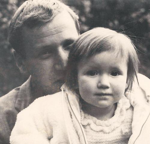 Maren Simon als Kind mit Vater Rudolf Sauer in Babelsberg